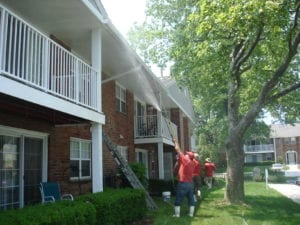pressure-washing-apartment-and-condos
